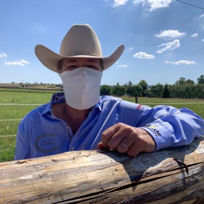 Medi-Cheval® Mehrweg-Gesichtsmaske als Cowboy auf der Farm Ranch